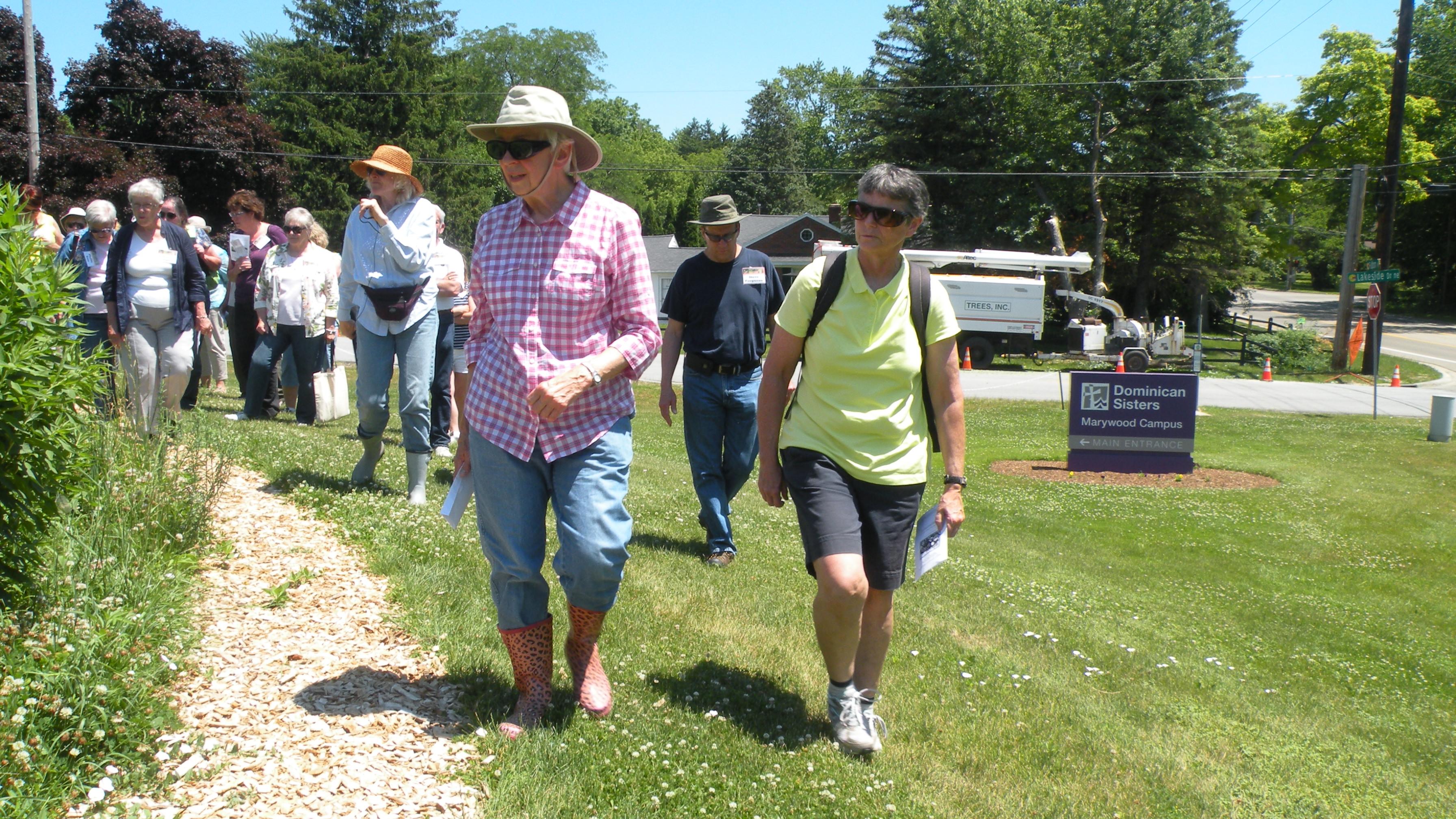 Sr Lucille Janowiak teaching Prairie Habitat